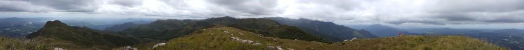 Panorâmica do cume do Garuva