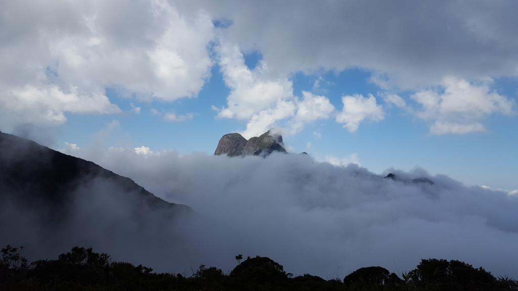 Outra do Pico Paraná, um dia com um visual desse a gente tira centenas de fotos.