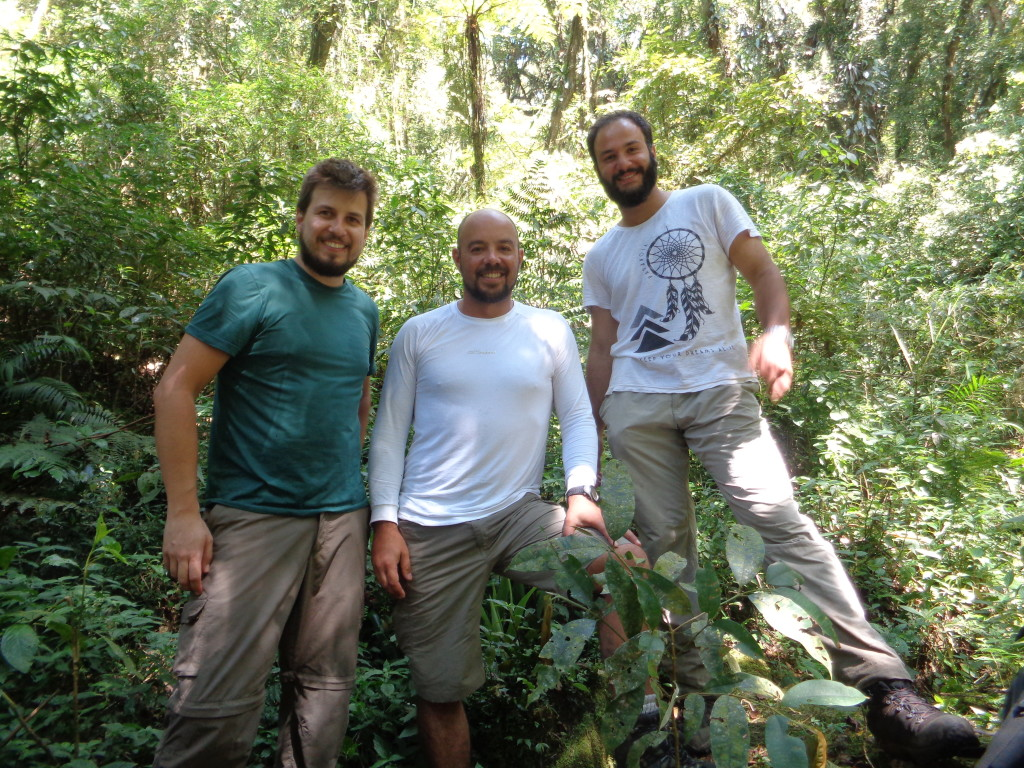 Marcio, Natan e Italo na trilha do Cristovão.